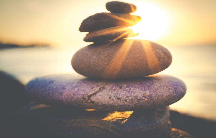 balancing-rock-formation-816377